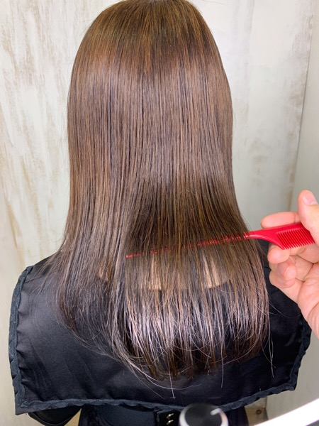 久しぶりの縮毛矯正で【つやっつやの艶髪ストレートヘア】原宿・表参道『1000人をツヤ髪にヘアケア美容師の挑戦』