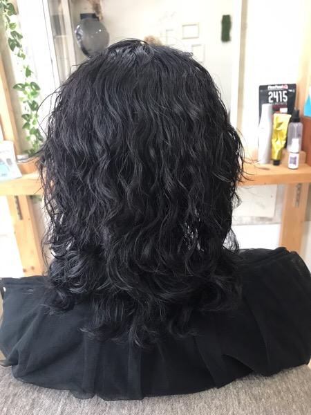 スパイラルパーマをビビリ矯正で艶髪ストレートヘア。原宿・表参道『1000人をツヤ髪にヘアケア美容師の挑戦』