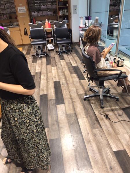 今日は早朝から。。原宿・表参道『1000人をツヤ髪にヘアケア美容師の挑戦』