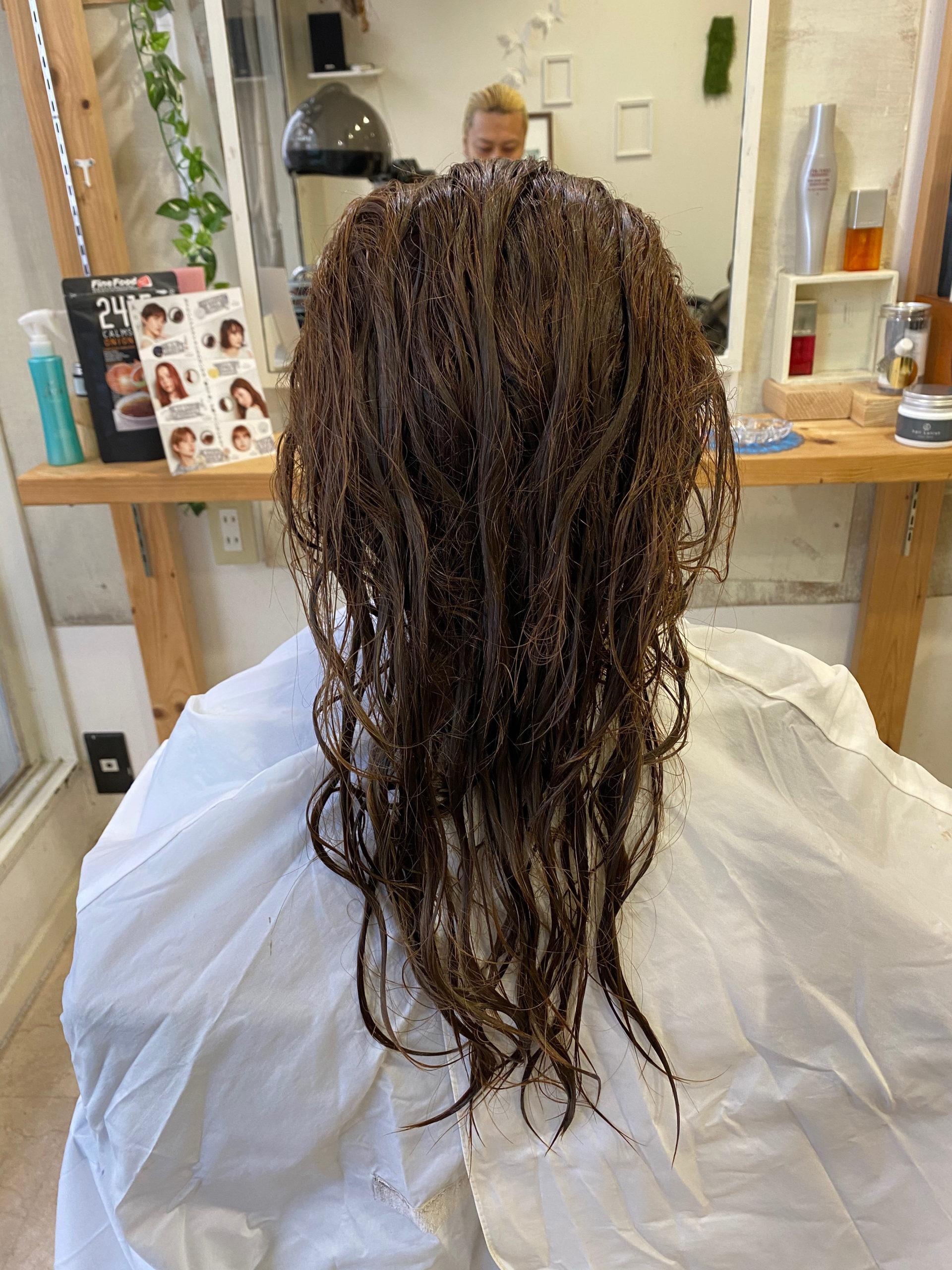 ブリーチをしている髪に縮毛矯正で艶髪。原宿・表参道『髪のお悩みを解決するヘアケア美容師の挑戦』