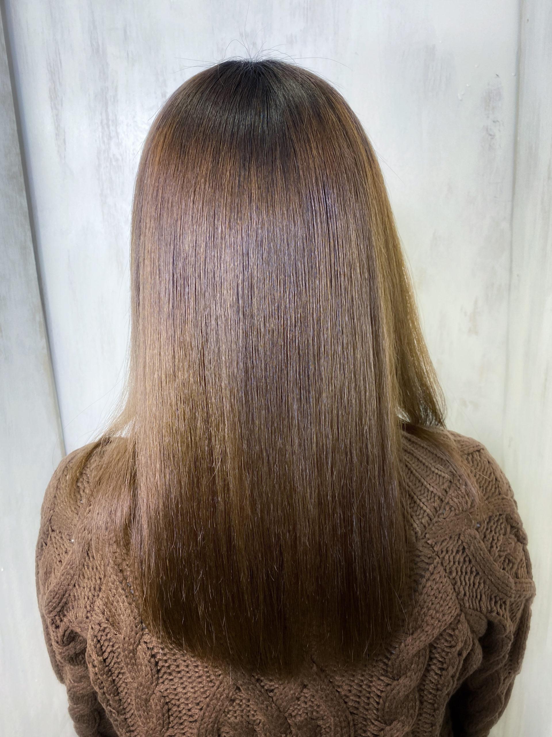 ブリーチで毛先がスカスカになった髪に縮毛矯正で艶髪ストレートヘア。原宿・表参道『髪のお悩みを解決するヘアケア美容師の挑戦』