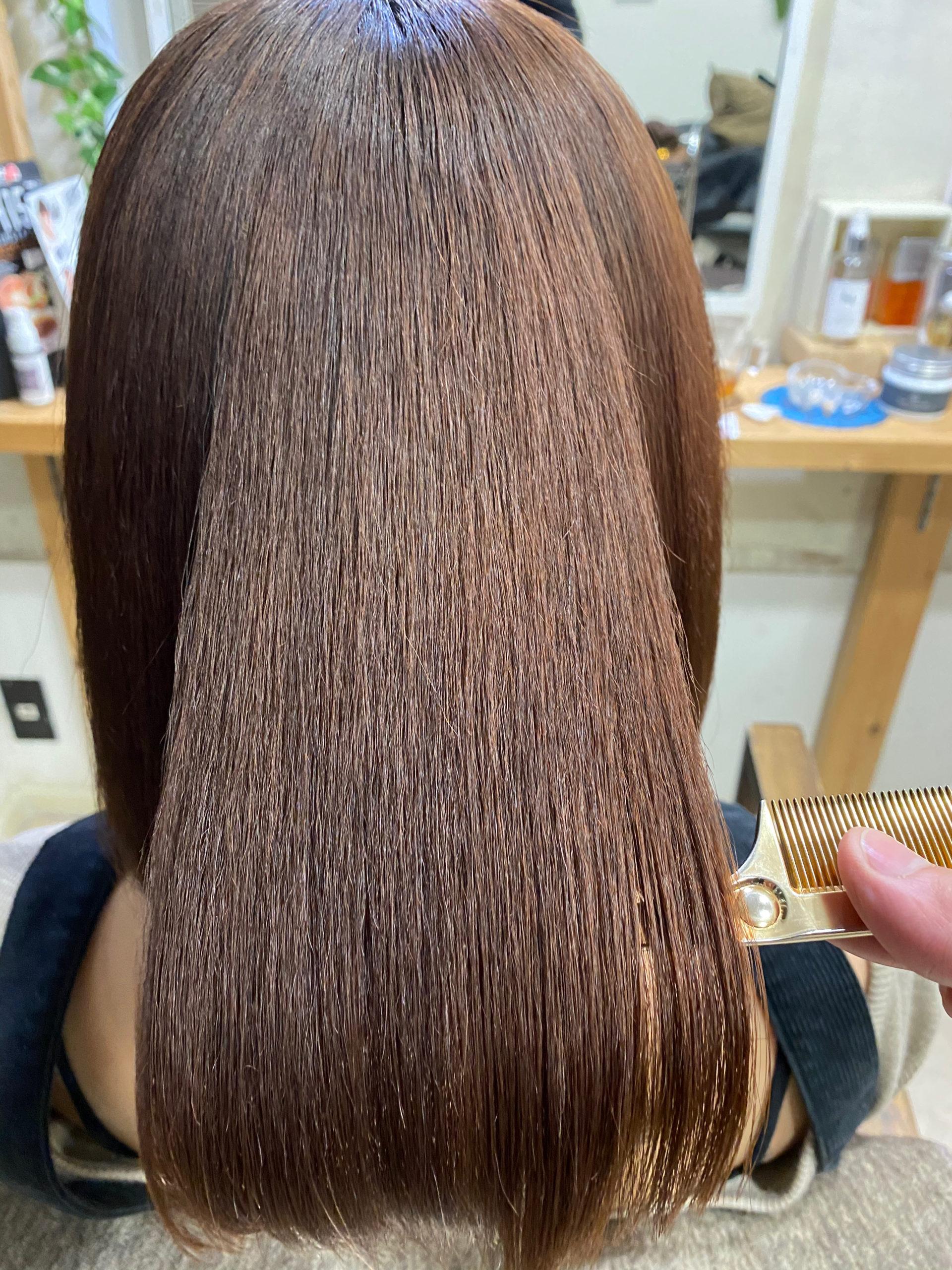 毛先にチリつきのある髪を縮毛矯正で艶髪。原宿・表参道『髪のお悩みを解決するヘアケア美容師の挑戦』