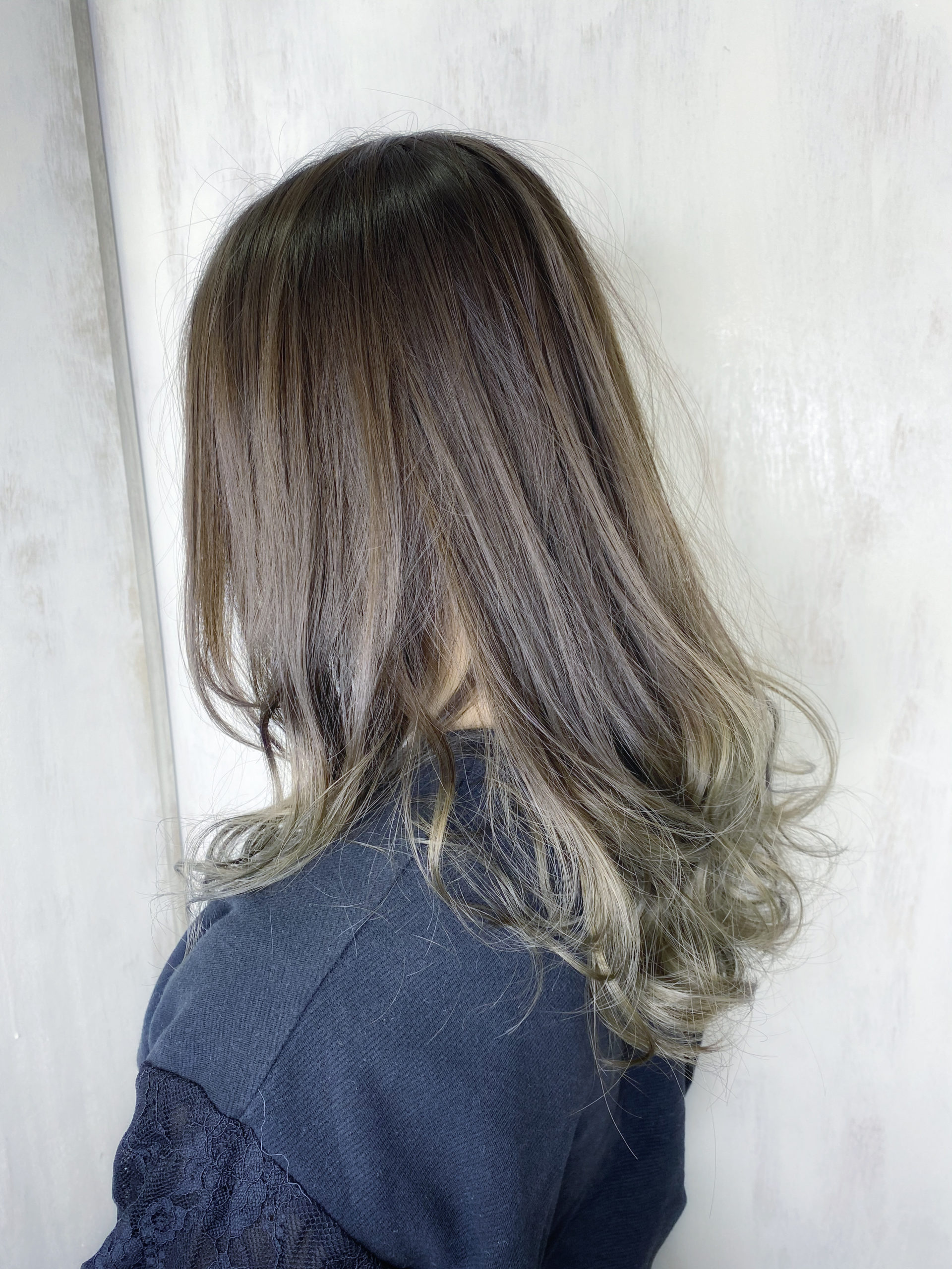 ケアブリーチとオレオルカラーで艶髪グラデーションカラー。原宿・表参道『髪のお悩みを解決するヘアケア美容師の挑戦』
