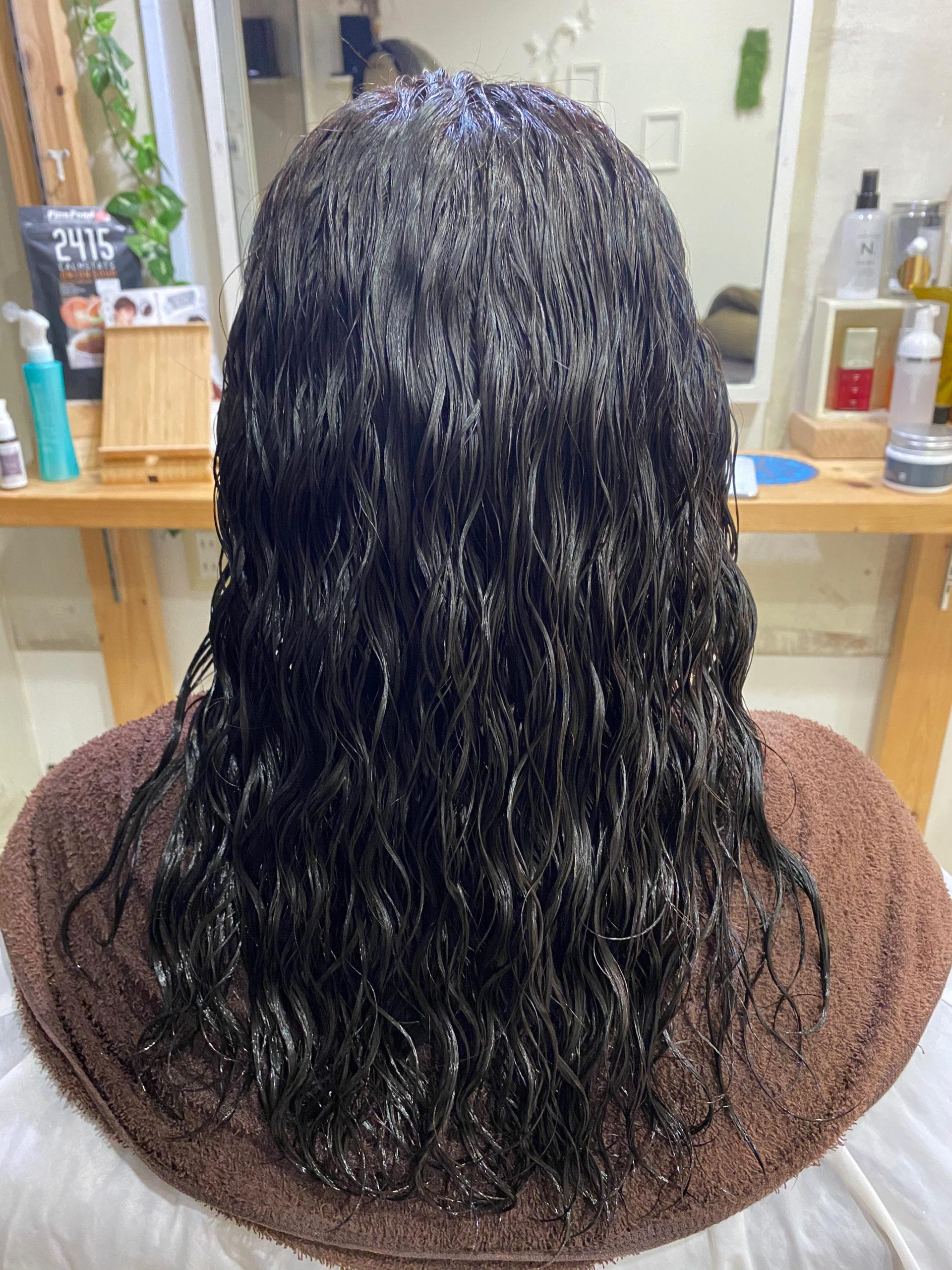 スパイラルパーマのかかった髪を【ビビリ矯正】で艶髪。原宿・表参道『髪のお悩みを解決するヘアケア美容師の挑戦』