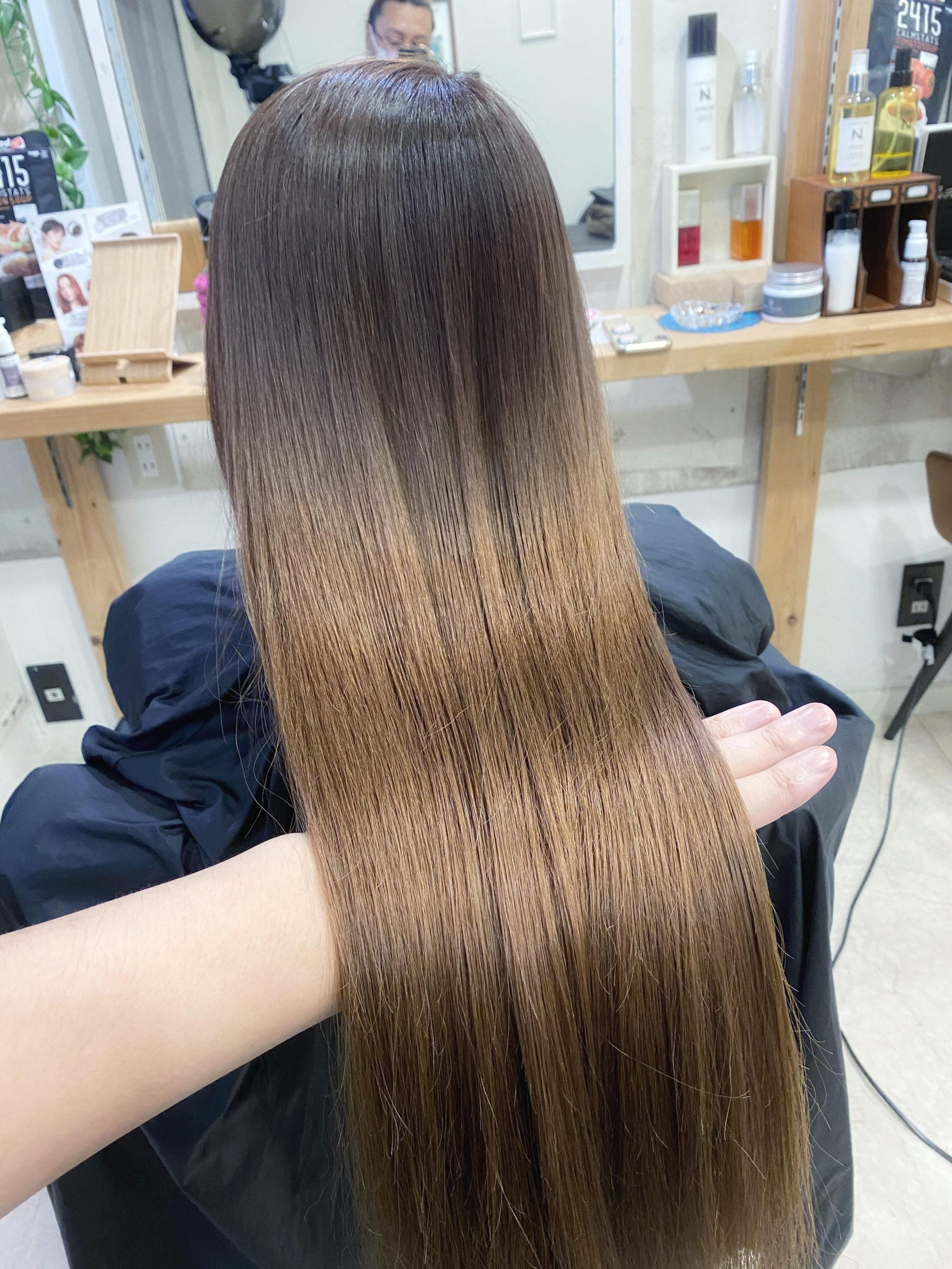 長い髪でパサつきが気になる髪を縮毛矯正でつやっつやの艶髪。原宿・表参道『髪のお悩みを解決するヘアケア美容師の挑戦』