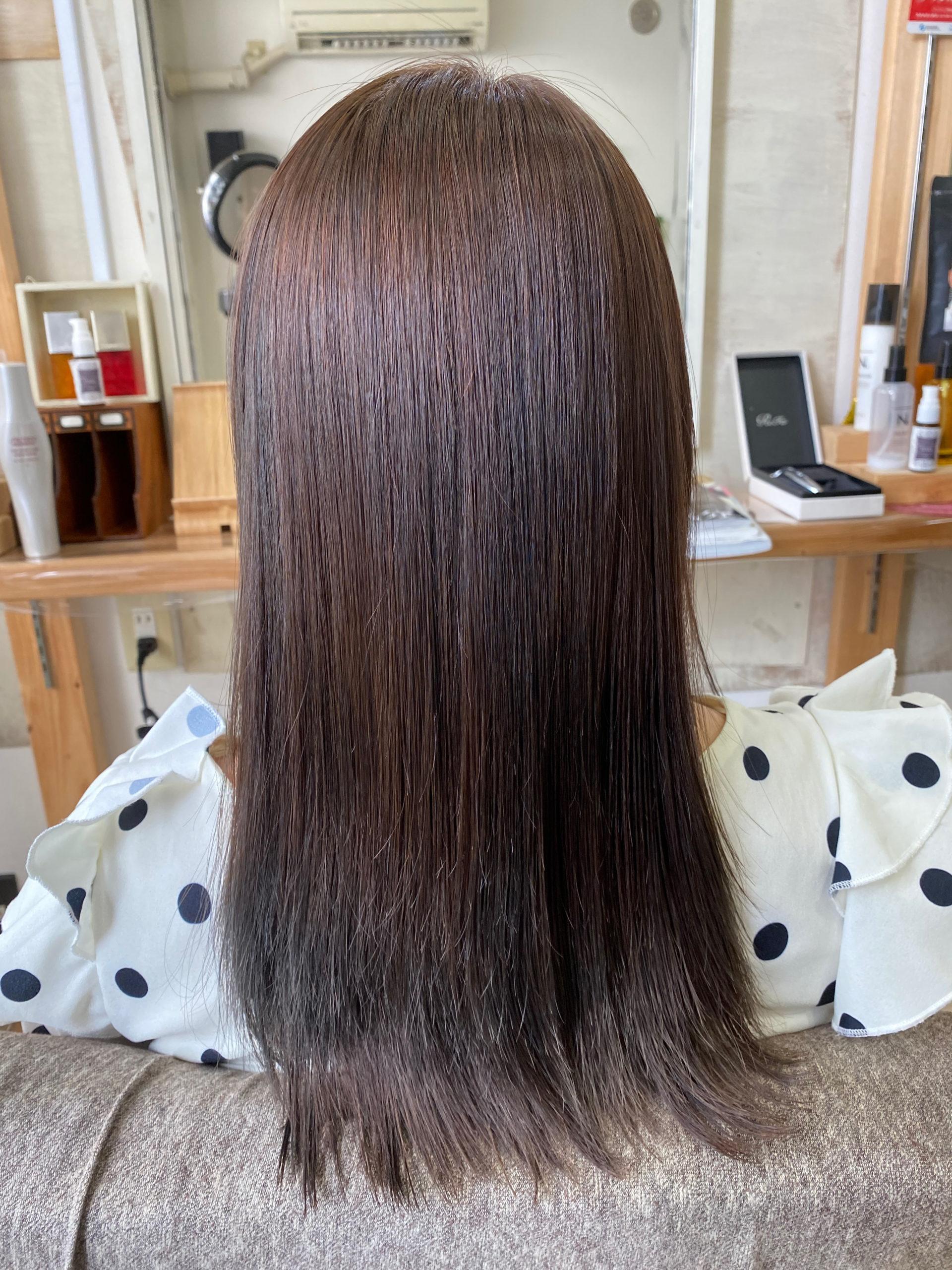 ブリーチ毛でパサつきが気になる方に縮毛矯正で艶髪。原宿・表参道『髪のお悩みを解決するヘアケア美容師の挑戦』