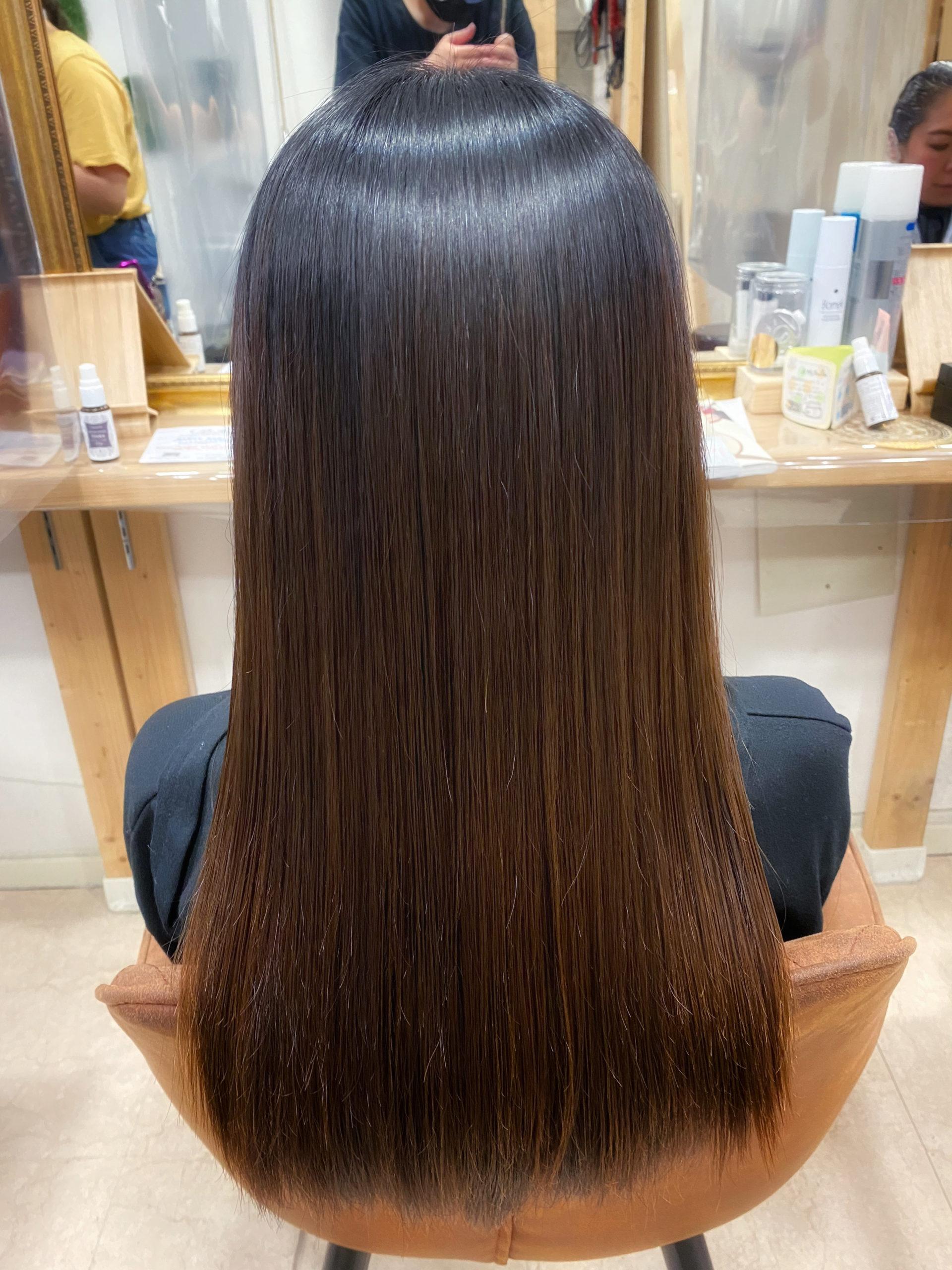ブリーチ毛を縮毛矯正でつやっつやの艶髪ストレートヘア。原宿・表参道『髪のお悩みを解決するヘアケア美容師の挑戦』
