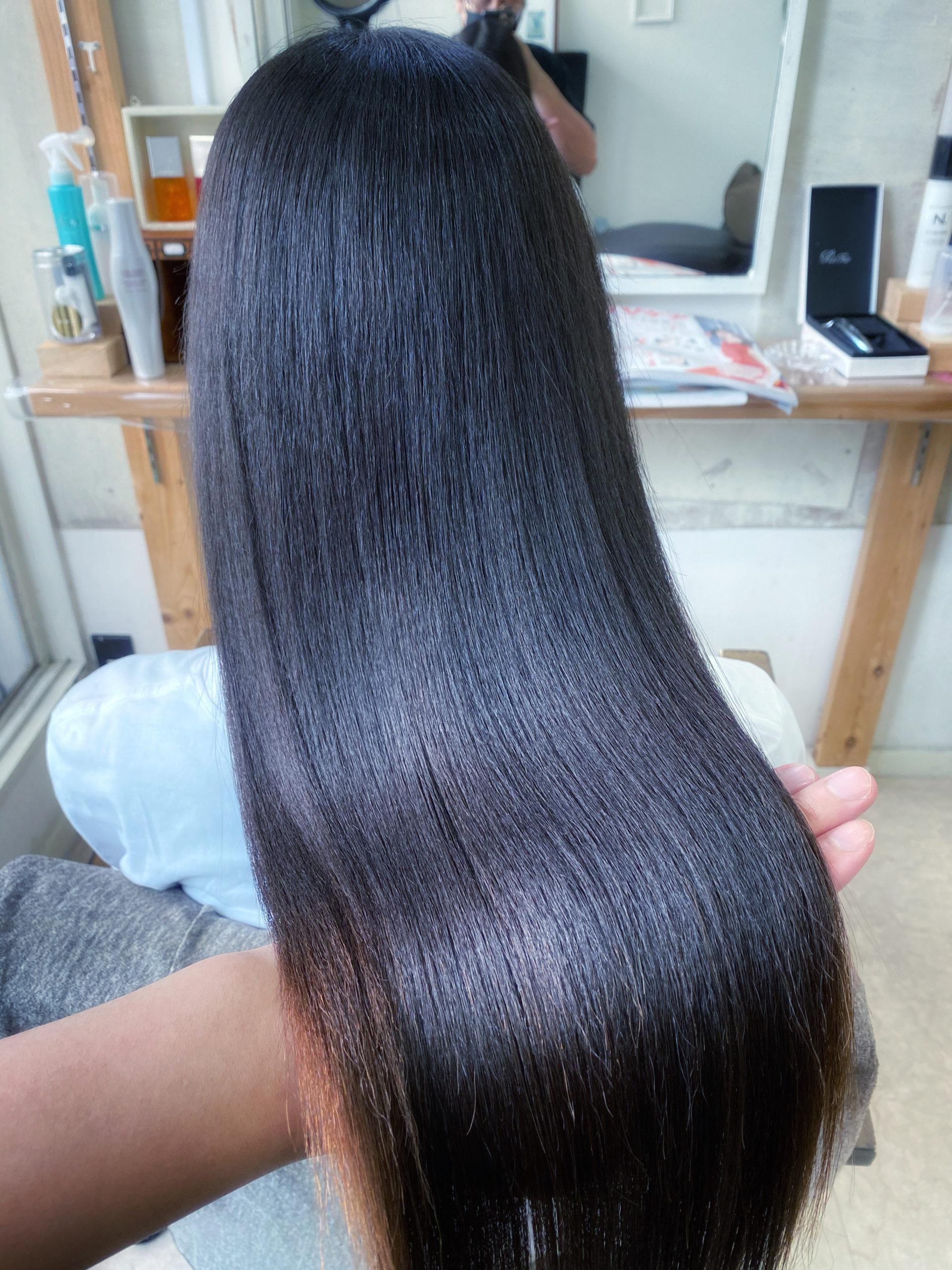 広がりが気になる方を【ジュエリーシステムシリーズ×縮毛矯正】でまとまる美髪に変身。原宿・表参道『髪のお悩みを解決するヘアケア美容師の挑戦』