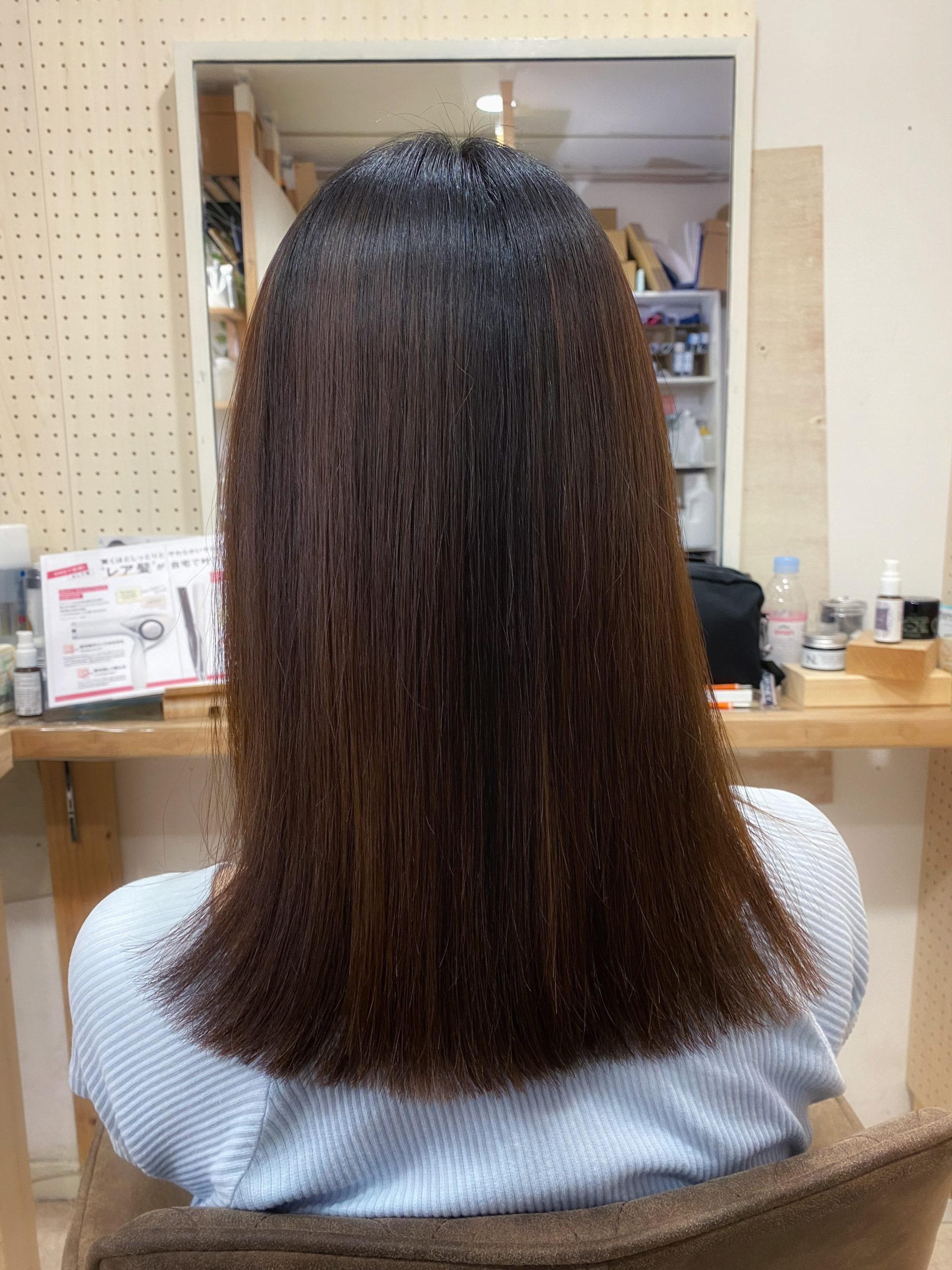 パーマとくせ毛を【ジュエリーシステム×LULUトリートメント×縮毛矯正】で艶髪ストレートヘア。原宿・表参道『髪のお悩みを解決するヘアケア美容師の挑戦』