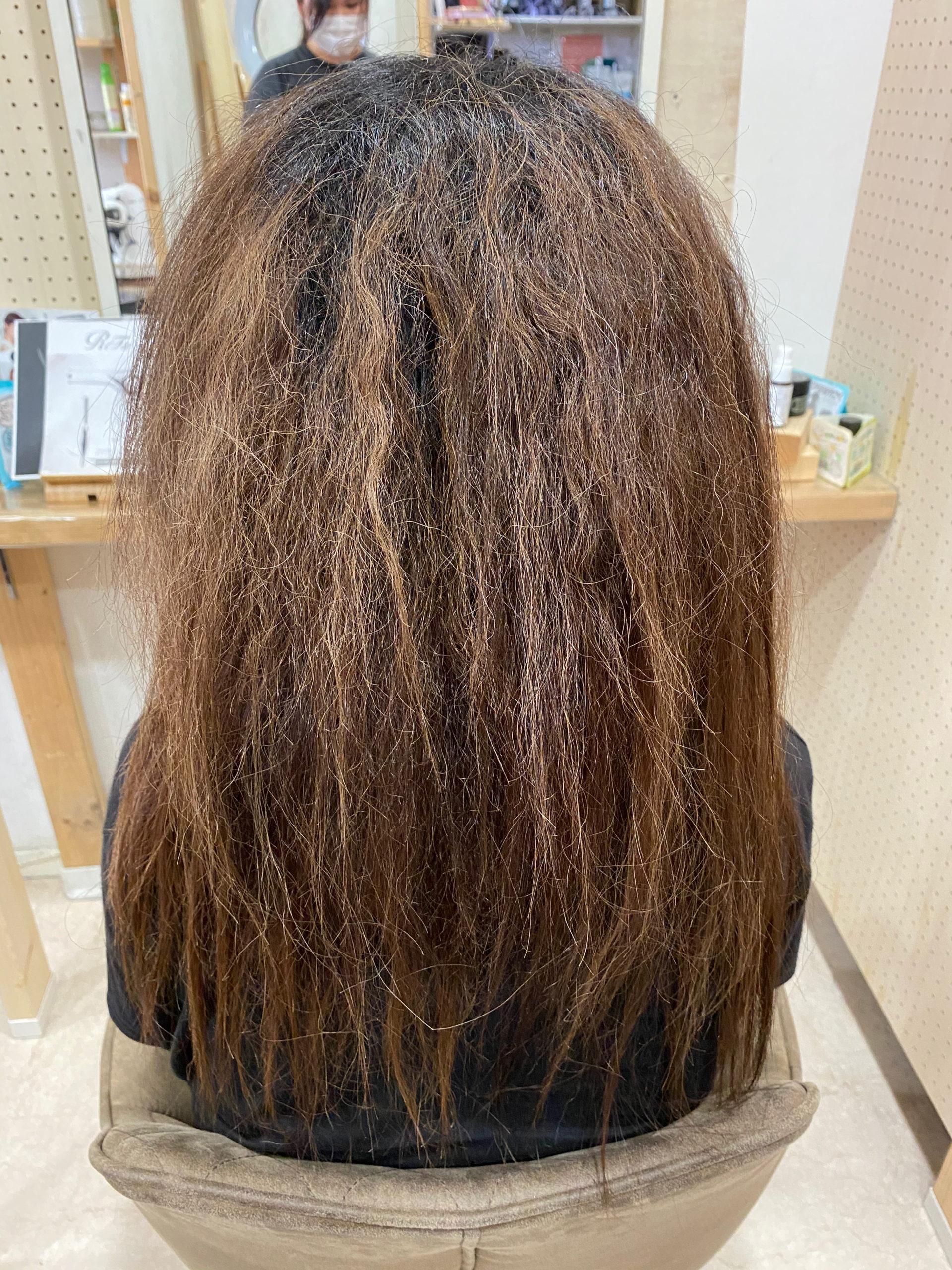 髪のチリつきを直す【ビビリ矯正】で艶髪ストレートヘア。原宿・表参道『髪のお悩みを解決するヘアケア美容師の挑戦』