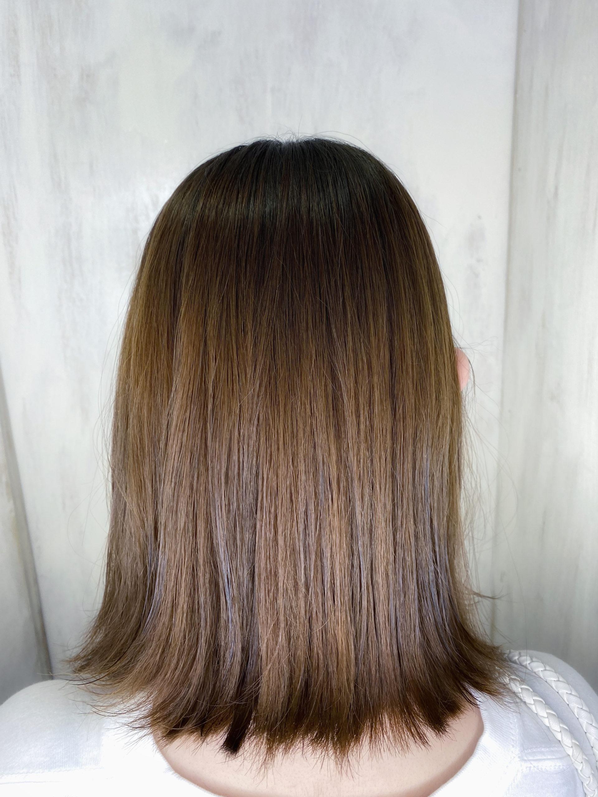 ブリーチ毛の方をばっさりカットと縮毛矯正でつやっつやの艶髪ストレートヘアに変身。