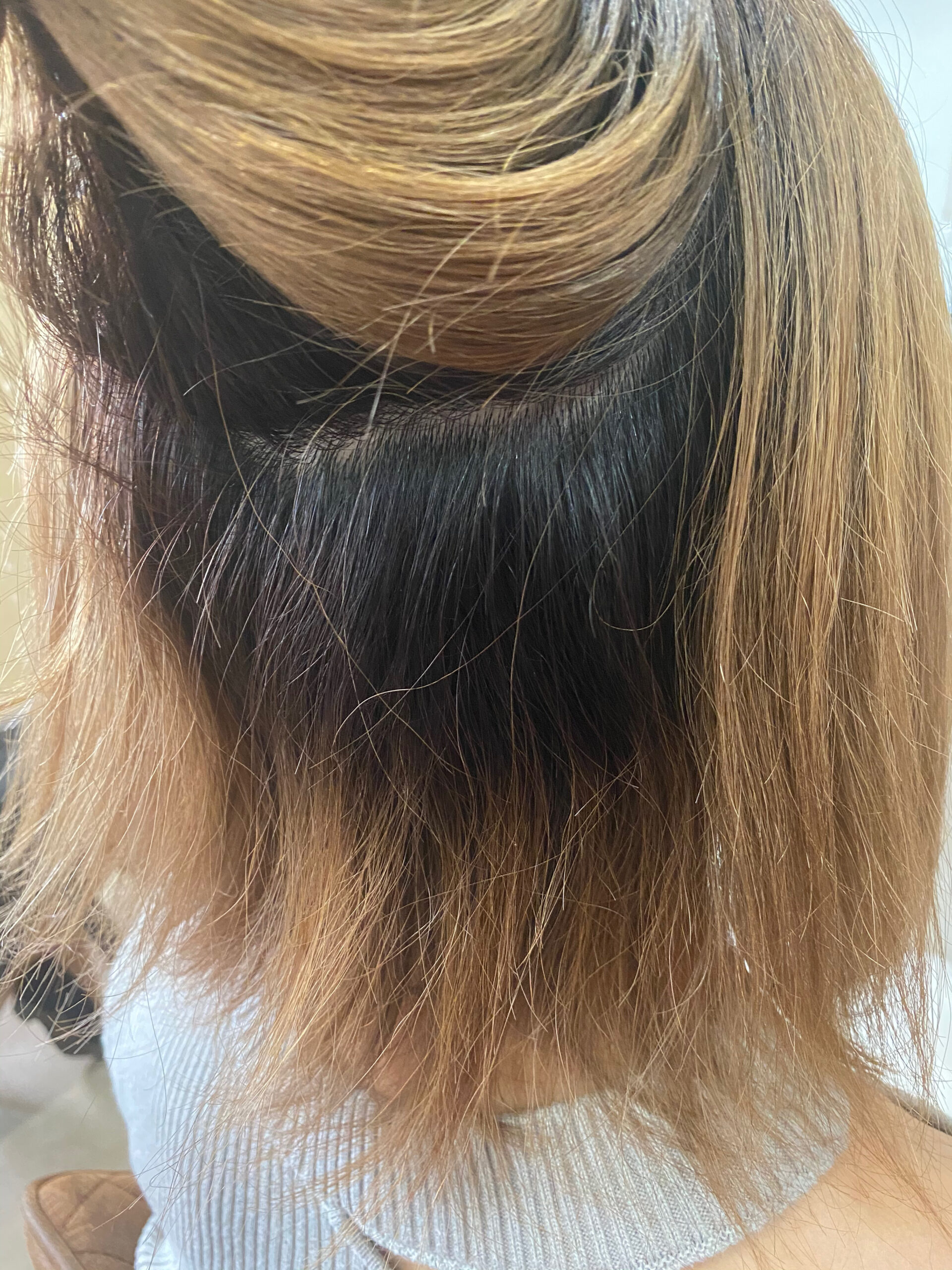 ブリーチ毛の方を縮毛矯正でまとまる切りっぱなしボブ。原宿・表参道『髪のお悩みを解決するヘアケア美容師の挑戦』