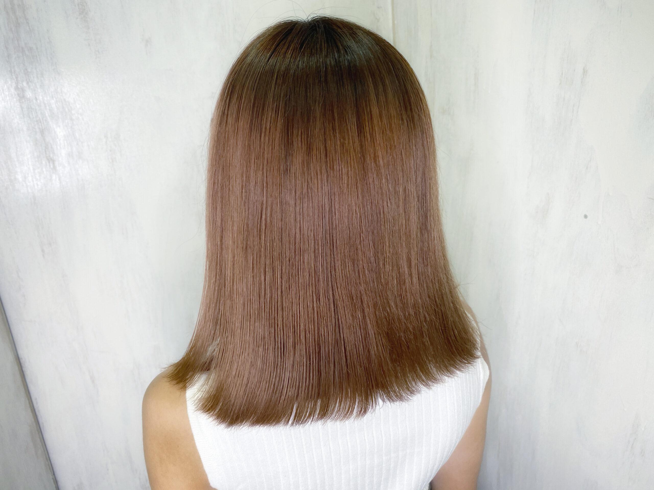 ブリーチを数回されている方の縮毛矯正でつやっつやの艶髪ストレートヘア。原宿・表参道『髪のお悩みを解決するヘアケア美容師の挑戦』