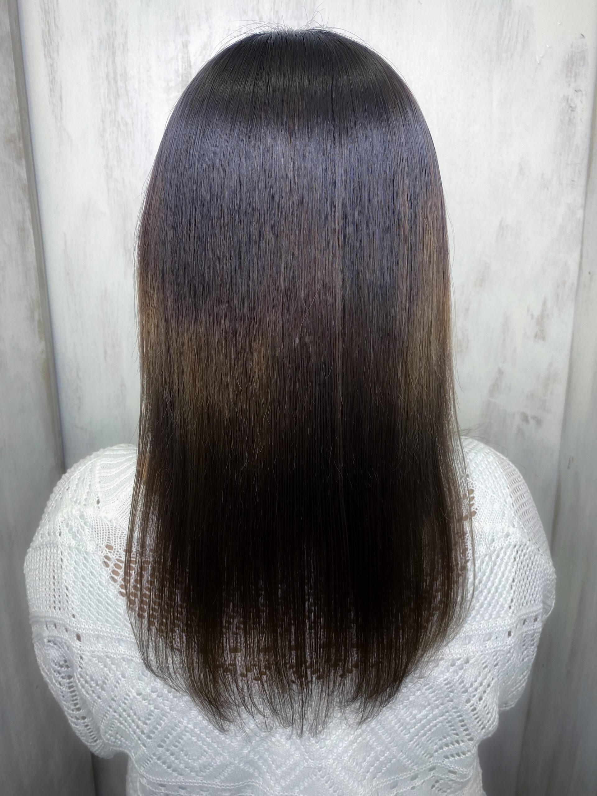 ブリーチと縮毛矯正でチリチリと切れ毛が。。【ビビリ矯正】で艶髪ストレートヘア。