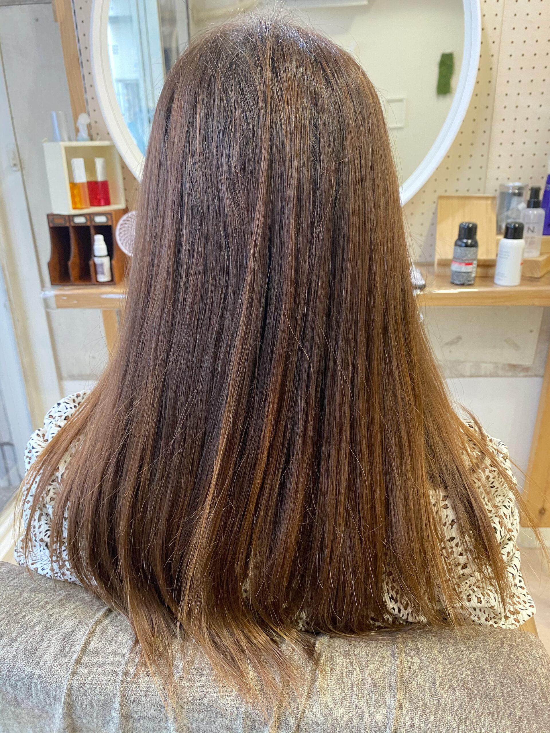ジュエリーシステム×LULUトリートメント×縮毛矯正でパサつきが気になる方を艶髪ストレートヘア。