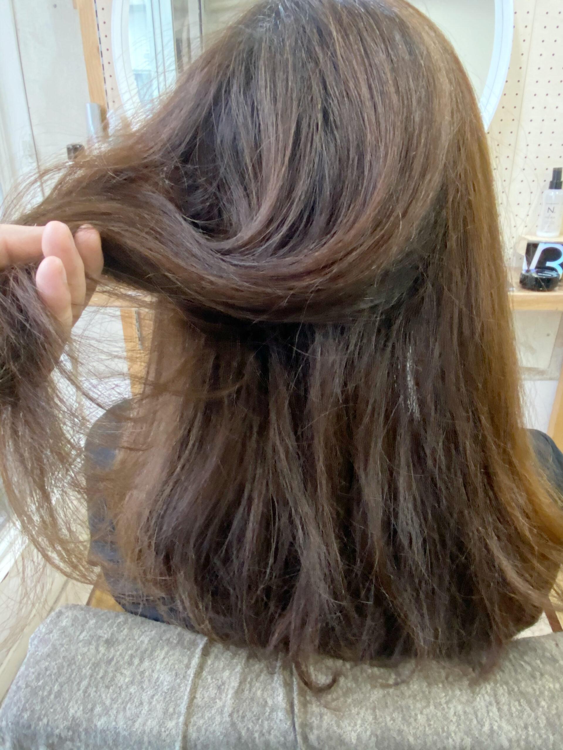 ジュエリーシステム×LULUトリートメント×縮毛矯正でパサつきとうねりが気になる方を艶髪ストレートヘア。