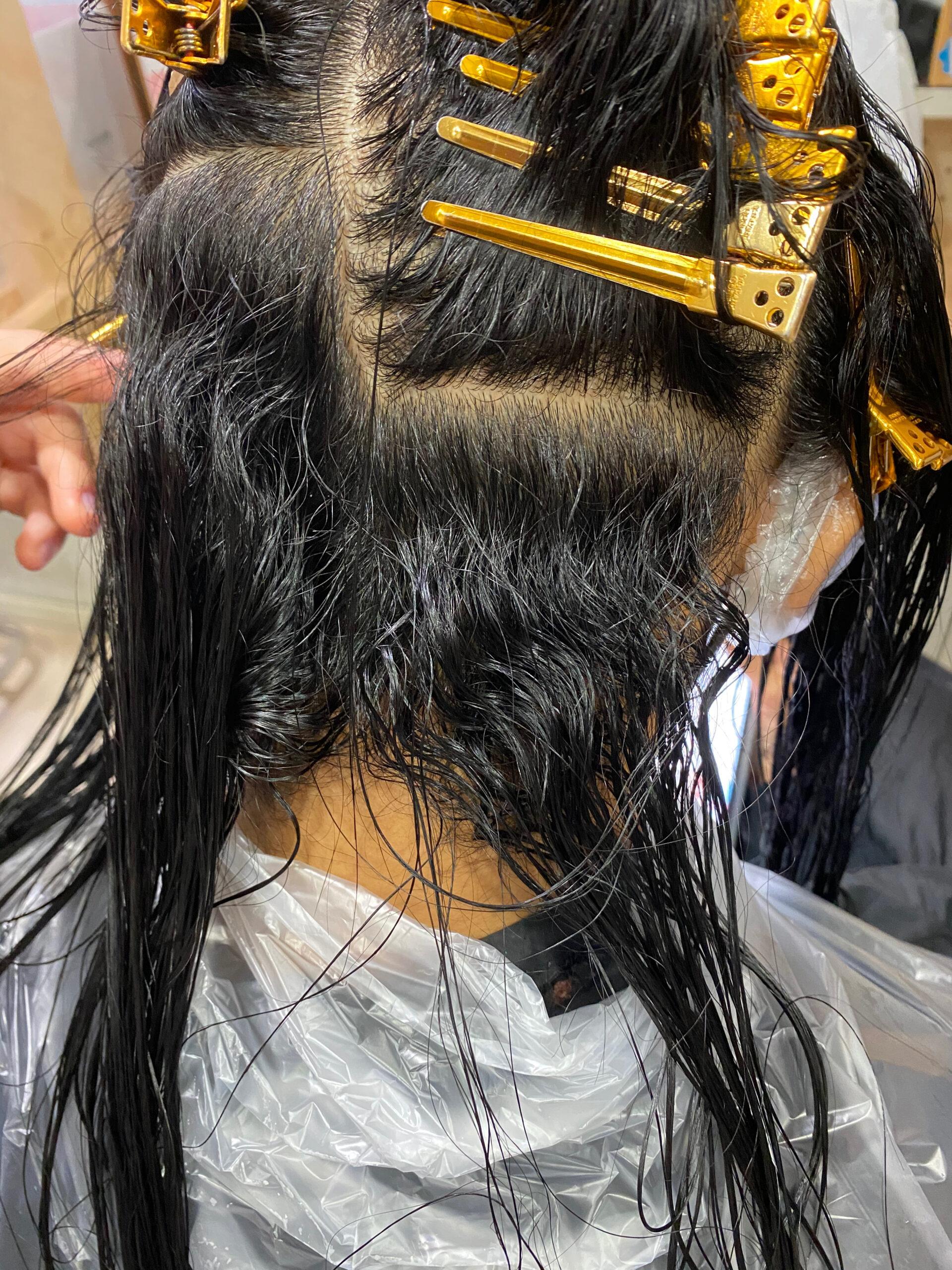 高難易度ジュエリーシステム縮毛矯正【CALURE】でくせ毛が気になる方を艶髪ストレートヘア。